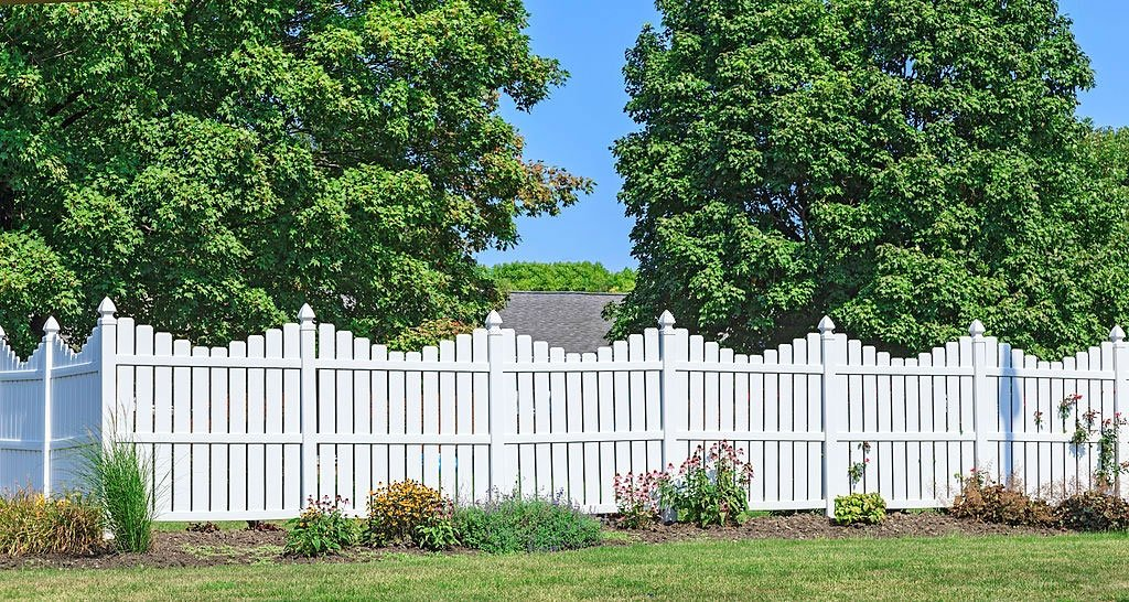 Is a Wood Link Fence Better Than Other Fences?